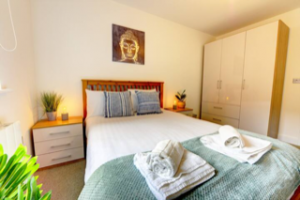 Harry Williams: Bedroom in serviced accommodation property